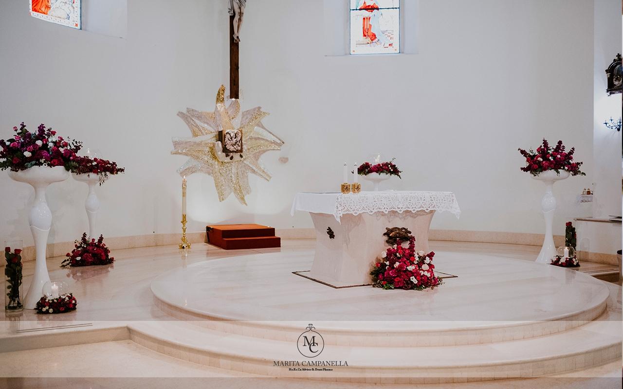 matrimonio stile inglese allestimento chiesa