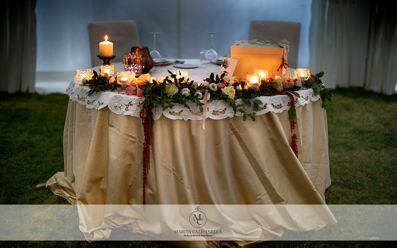 matrimonio in masseria tavolo sposi