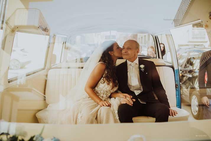 matrimonio antonio e annarosa sposa in macchina